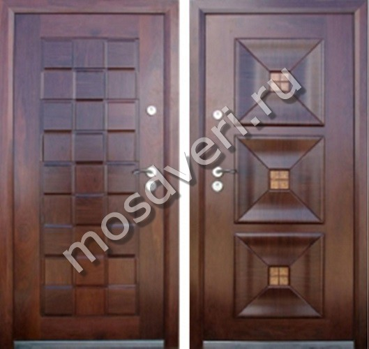 две стальные двери на лестничную клетку