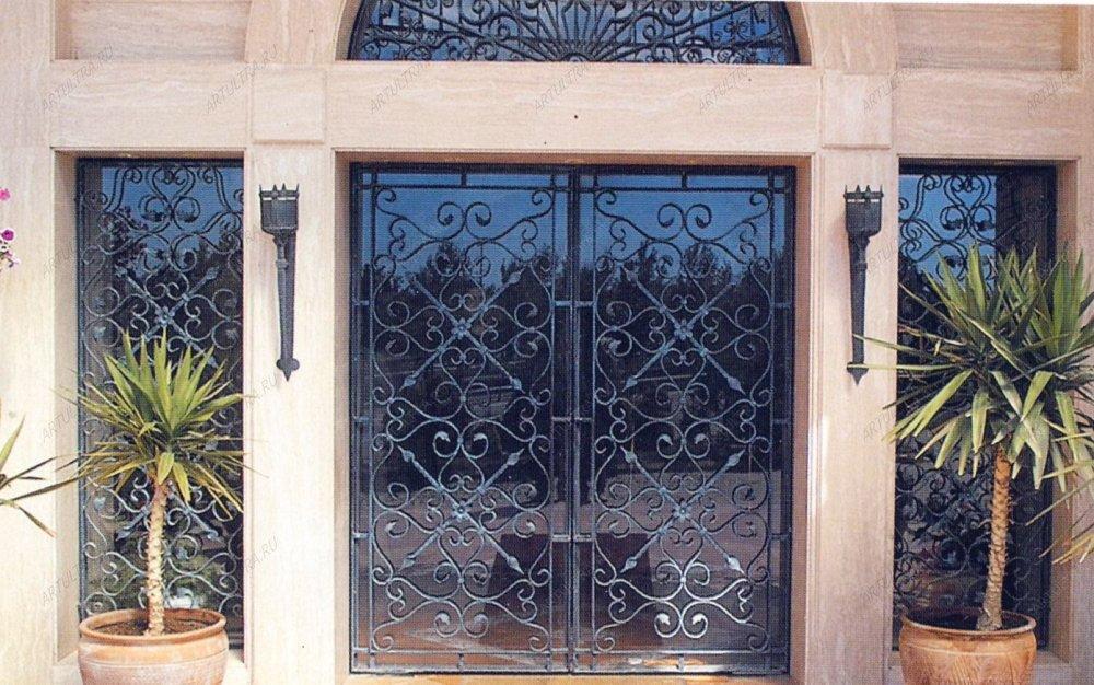 двери входные уличные стекла